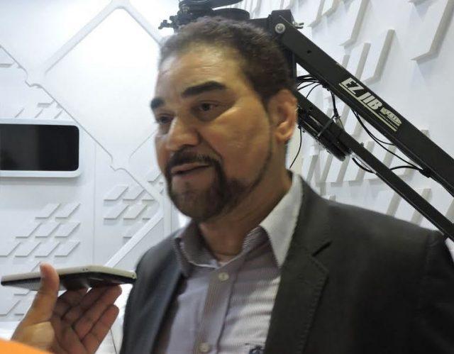 Ivã de Almeida pede licença de presidência do Vitória