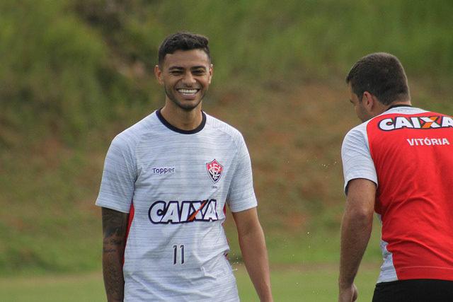 Zé Ricardo agradece a diretoria, jogadores e torcida após saída do Flamengo