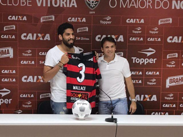Palmeiras goleia o Vitória e assume a quinta colocação