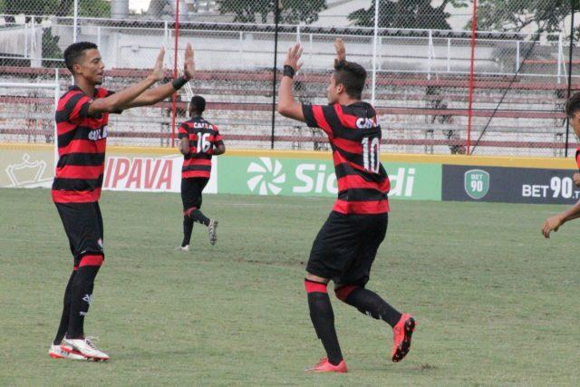 São Paulo derrota Vitória nos pênaltis e está na semi da Copinha