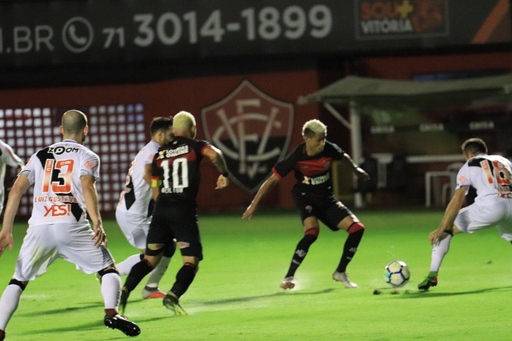 Vitória faz 1 a 0 no Vasco e amplia sequência invicta no Brasileirão ... 47ab71fa7486f
